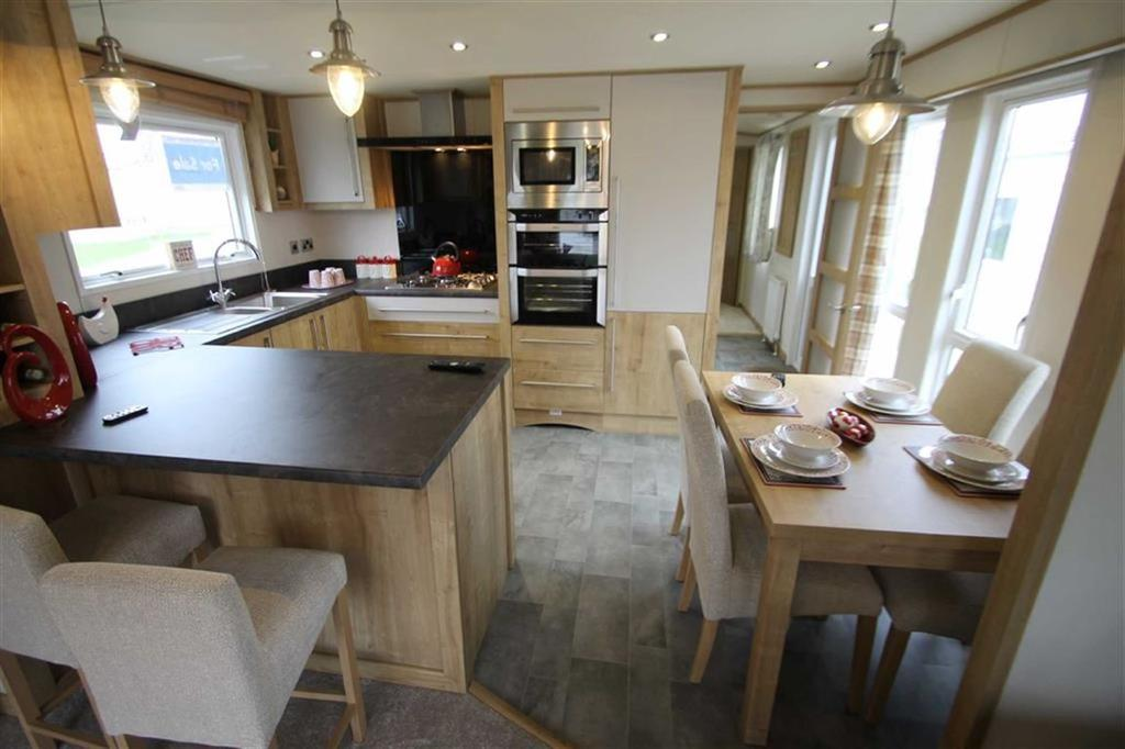 2 Bedrooms Mobile Home for sale in Naze Marine Park, Walton-on-the-Naze