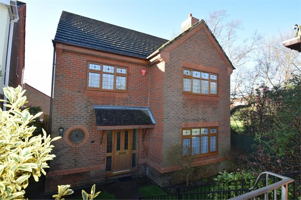 5 Bedrooms Detached House for sale in Beaulieu Drive, Stone Cross, East Sussex