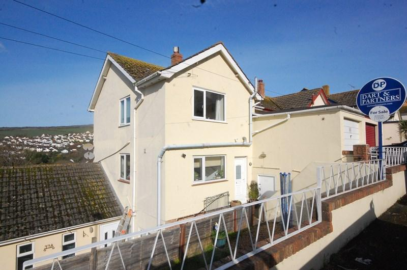 3 Bedrooms Semi Detached House for sale in Deer Park Avenue, Teignmouth