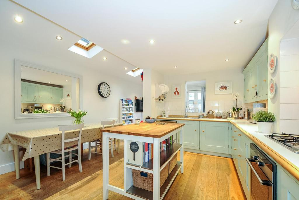 4 Bedrooms Terraced House for sale in Winfrith Road, Earlsfield, SW18