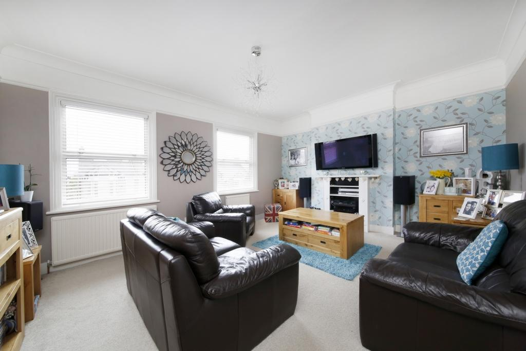 4 Bedrooms Semi Detached House for sale in Upland Road, East Dulwich, SE22