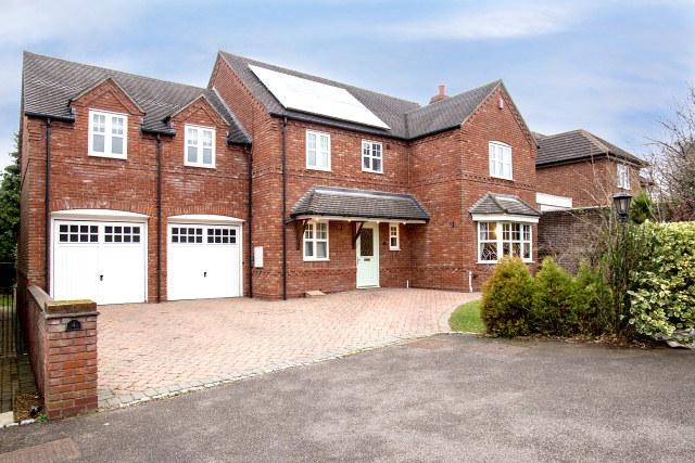 5 Bedrooms Detached House for sale in Yeomans Grange,Sutton Coldfield,West Midlands