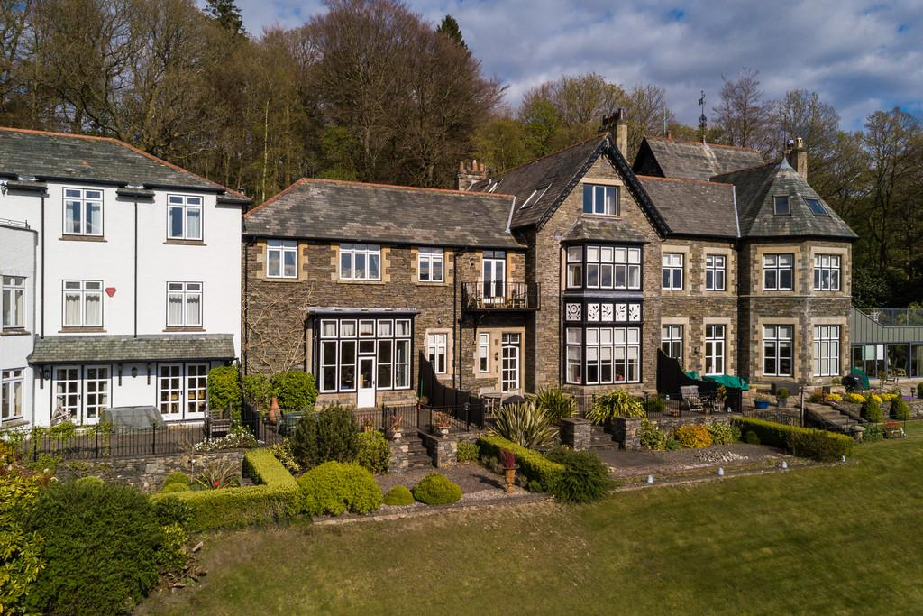 3 Bedrooms Terraced House for sale in 5 Chapel Ridding, Patterdale Road, Windermere, Cumbria, LA23 1NL