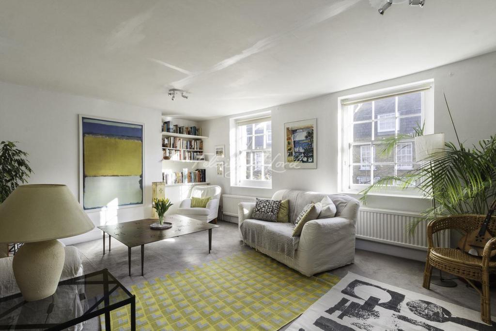 2 Bedrooms Maisonette Flat for sale in Barnsbury Street N1