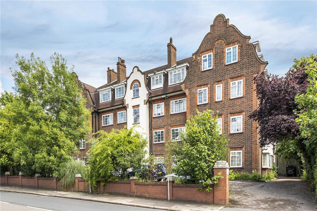 2 Bedrooms Flat for sale in Conal Court, Mitcham Lane, London, SW16