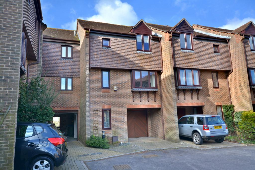 2 Bedrooms Town House for sale in Pulborough