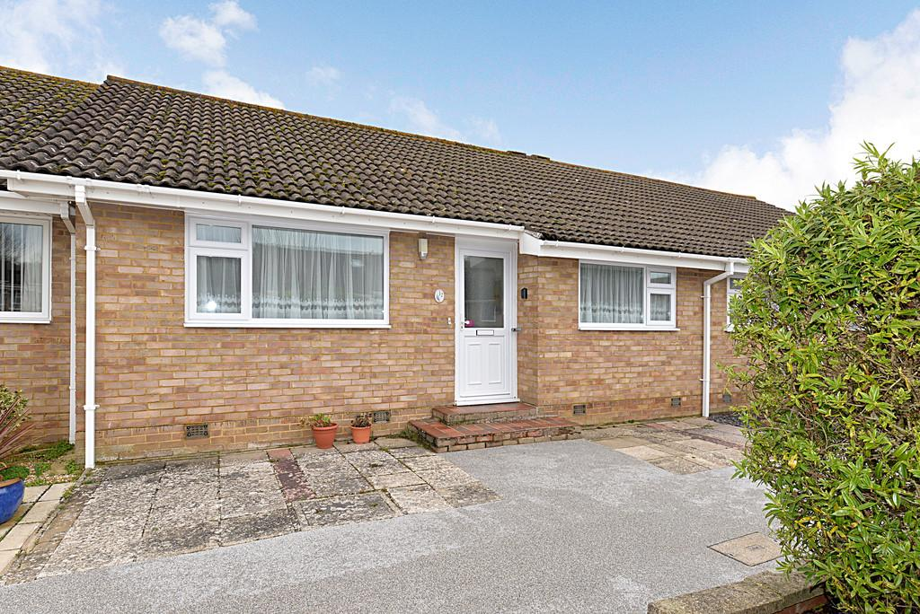 2 Bedrooms Semi Detached Bungalow for sale in Seaway, Barton on Sea
