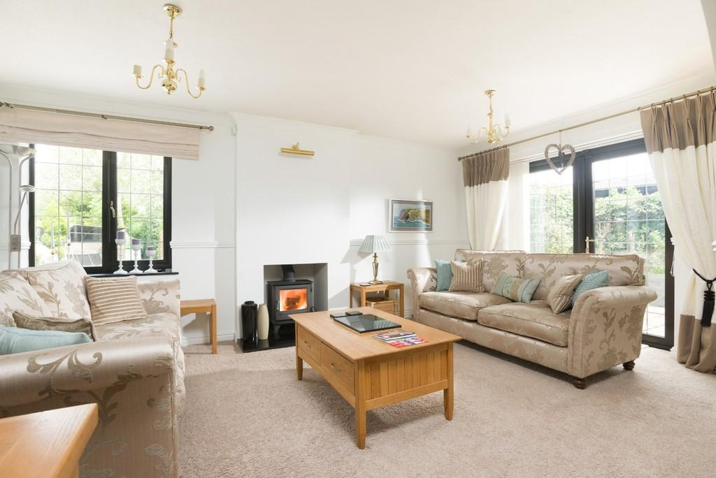 4 Bedrooms Detached House for sale in The Old Tollgate, Warwick Road, Stratford-Upon-Avon