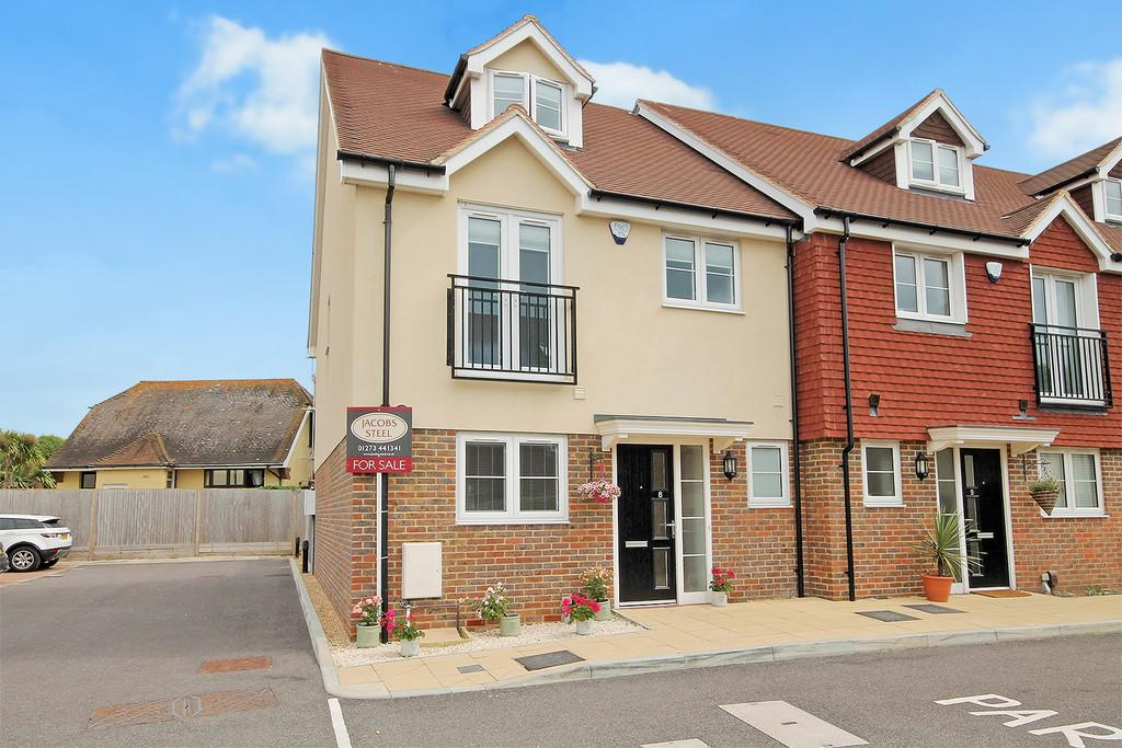 4 Bedrooms End Of Terrace House for sale in Coventina Close, Shoreham-by-Sea, BN43 6DF
