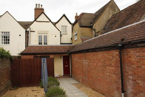 2 bedroom flat to rent - Market Square Potton Bedfordshire