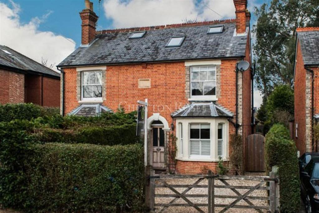 4 Bedrooms Semi Detached House for sale in Kennel Ride, Ascot