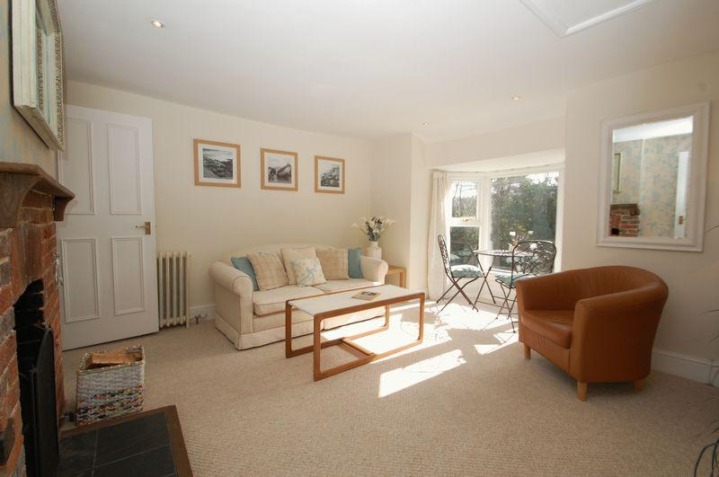 2 Bedrooms Flat for sale in North Lane, BURITON, Hampshire