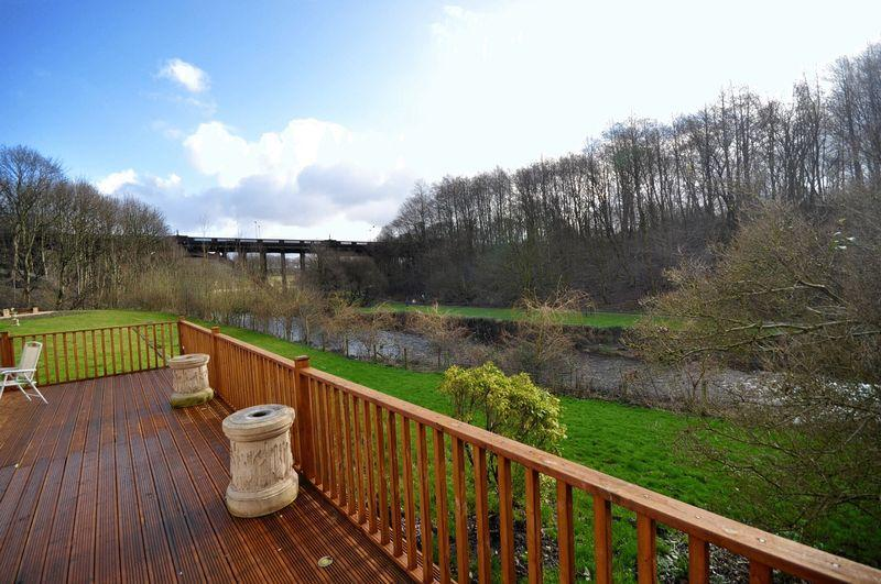 4 Bedrooms Detached House for sale in Hooley Bridge, Rochdale