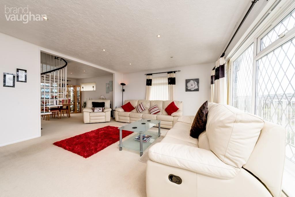 3 Bedrooms Detached Bungalow for sale in Greenbank Avenue, Saltdean, Brighton, BN2