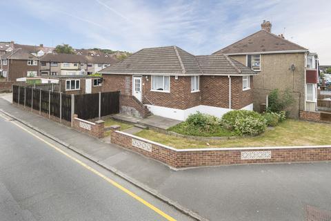 2 bedroom bungalow to rent - Fendyke Road, Abbey Wood, London