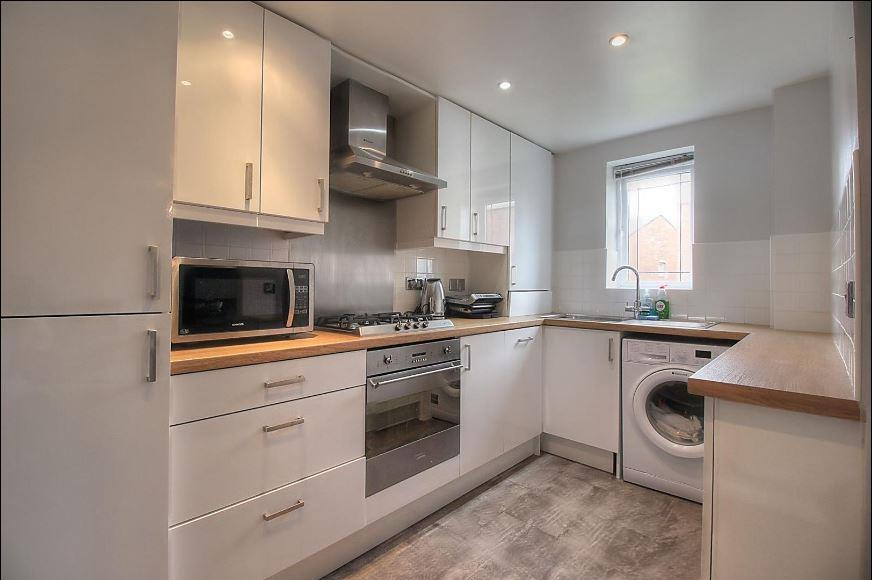 2 Bedrooms Flat for sale in Renforth Close, Gateshead