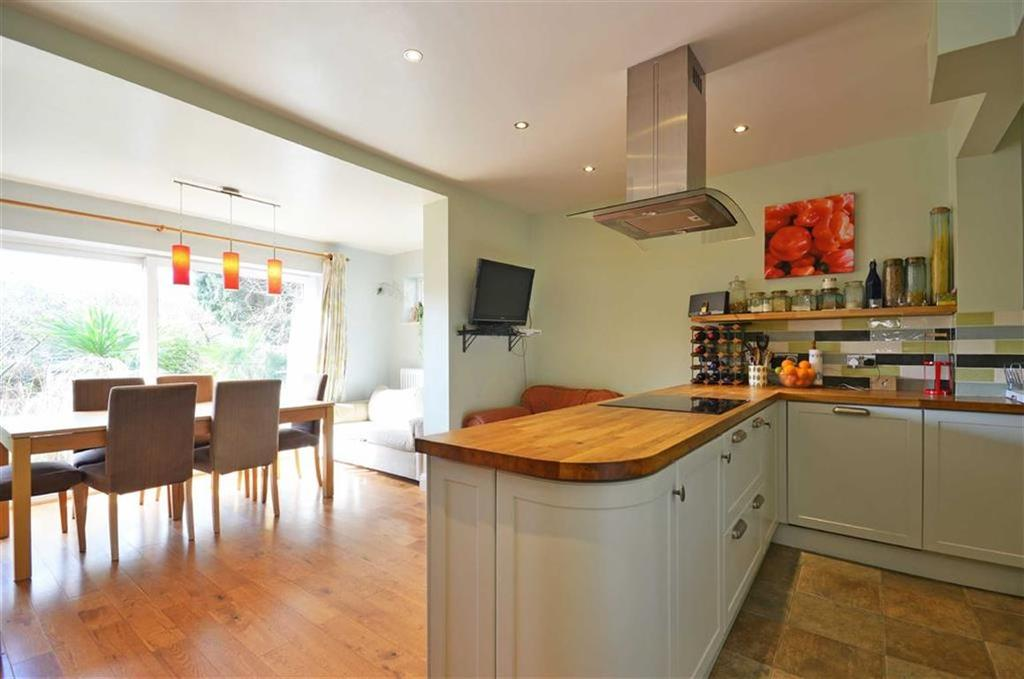 5 Bedrooms Semi Detached House for sale in Bateman Road, Croxley Green, Hertfordshire