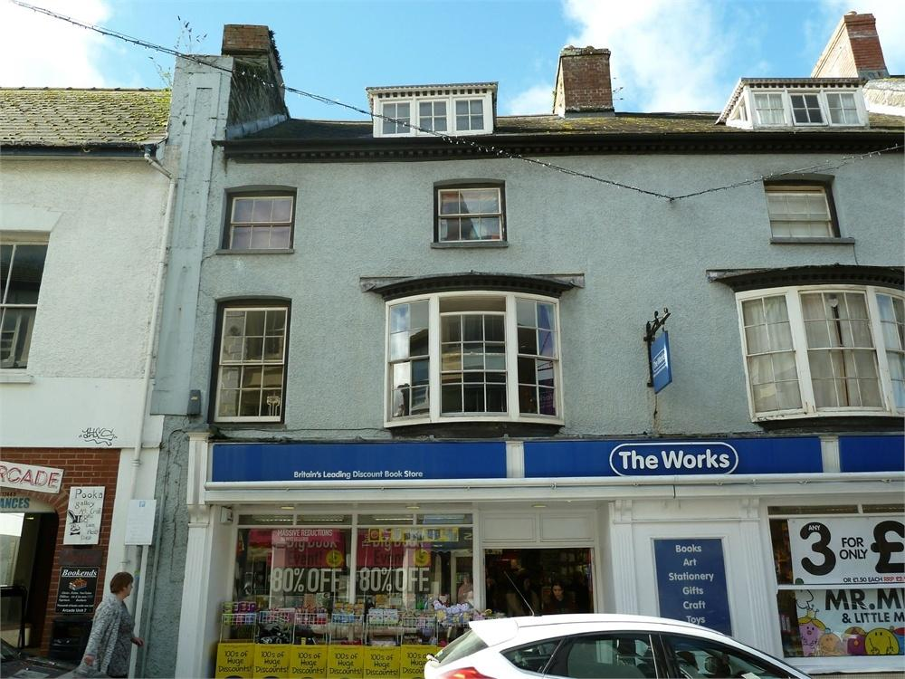 2 Bedrooms Flat for sale in 7-8 High Street, Cardigan, Ceredigion