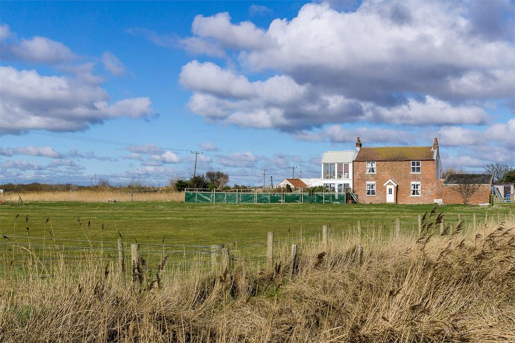 4 Bedrooms Link Detached House for sale in Spurn Road, Kilnsea, East Riding of Yorkshire