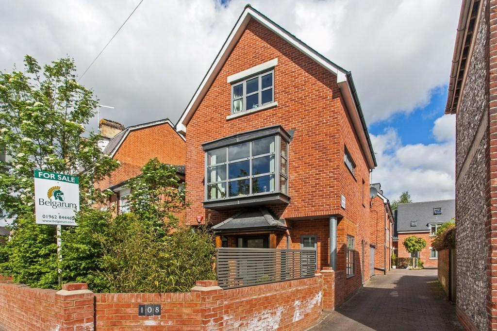 4 Bedrooms Detached House for sale in Stockbridge Road, Winchester, SO22