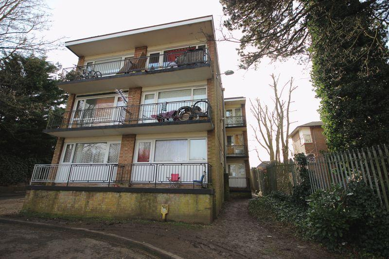 1 Bedroom Apartment Flat for sale in Ruthin Close, Luton