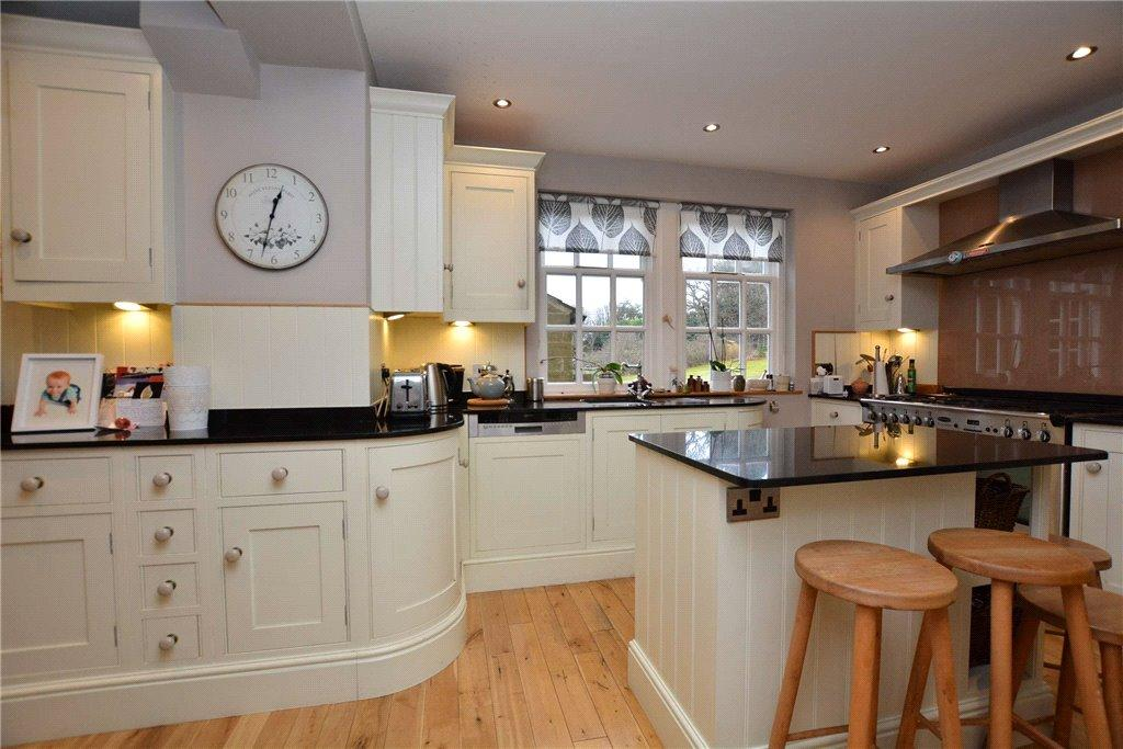 6 Bedrooms Detached House for sale in Creskeld Park, Bramhope, Leeds, West Yorkshire