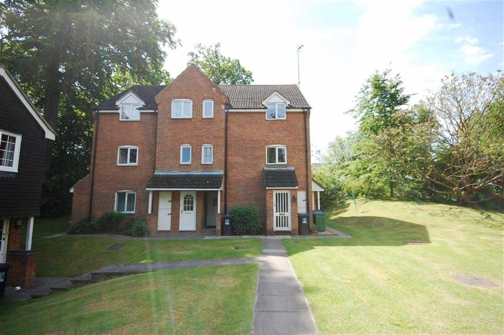 Studio Flat for sale in Ravenscroft, Watford, Herts