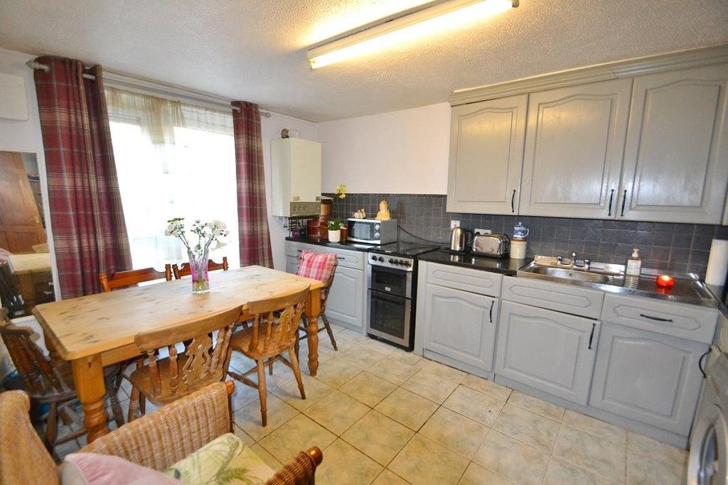 3 Bedrooms Maisonette Flat for sale in Salisbury Walk, Archway, London, N19