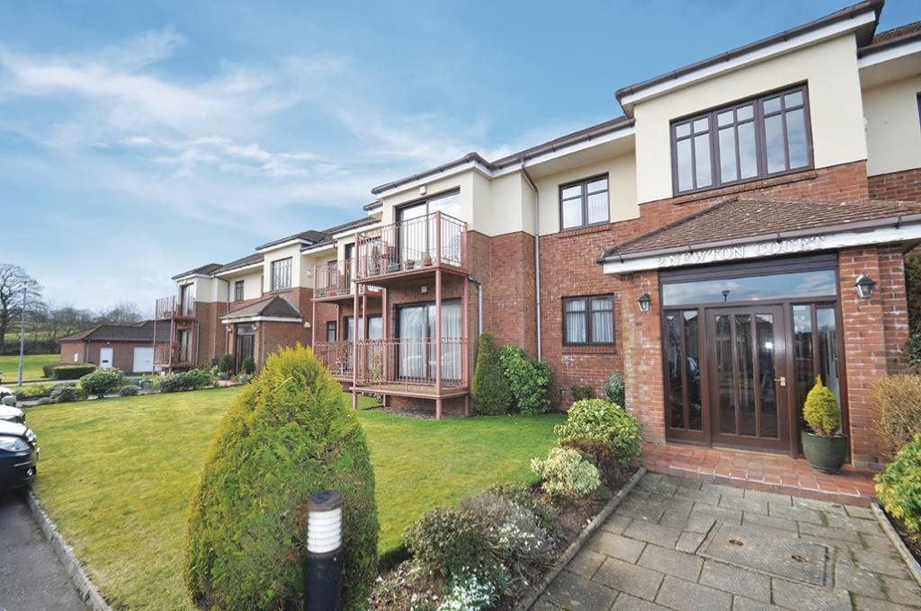 2 Bedrooms Flat for sale in 2A Newton Court, Newton Mearns, G77 5QL