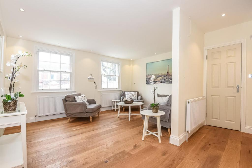3 Bedrooms Semi Detached House for sale in Cavendish Road, Balham, SW12