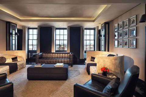 4 bedroom property to rent - Mount St, Mayfair, London W1K 7TN