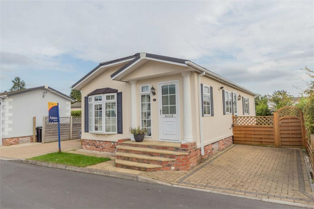 2 Bedrooms Park Home Mobile Home for sale in The Crescent, Acaster Malbis, YORK