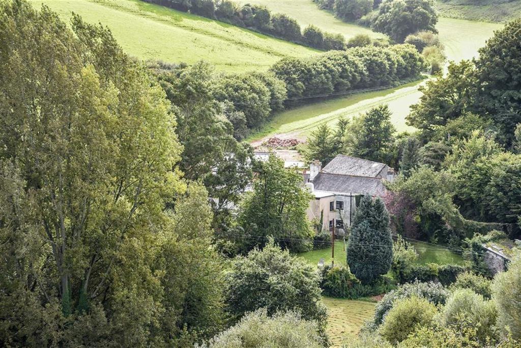 5 Bedrooms Semi Detached House for sale in Stokeinteignhead, Devon, TQ12