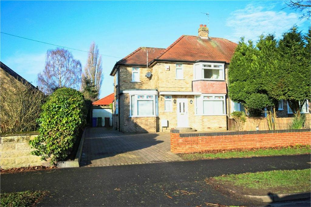 3 Bedrooms Semi Detached House for sale in St Margarets Avenue, Cottingham, East Riding of Yorkshire
