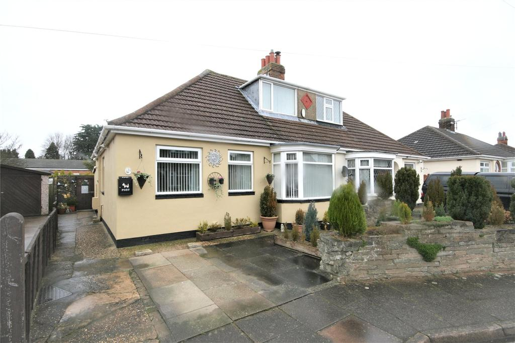 2 Bedrooms Semi Detached Bungalow for sale in Westbourne Grove, Scartho, DN33