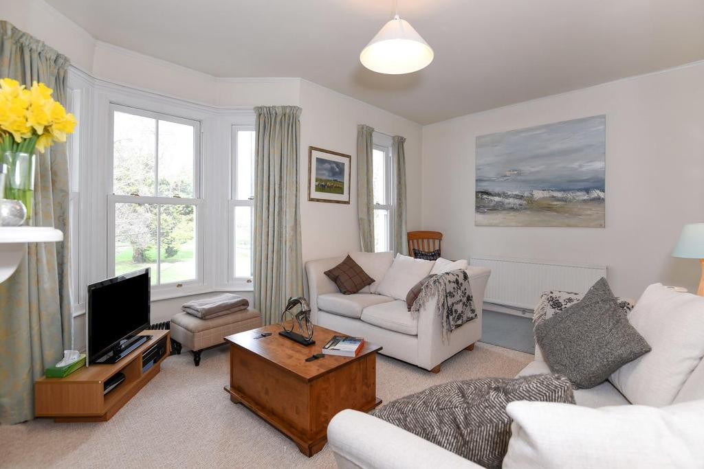 2 Bedrooms Flat for sale in Southfield Road, Chiswick