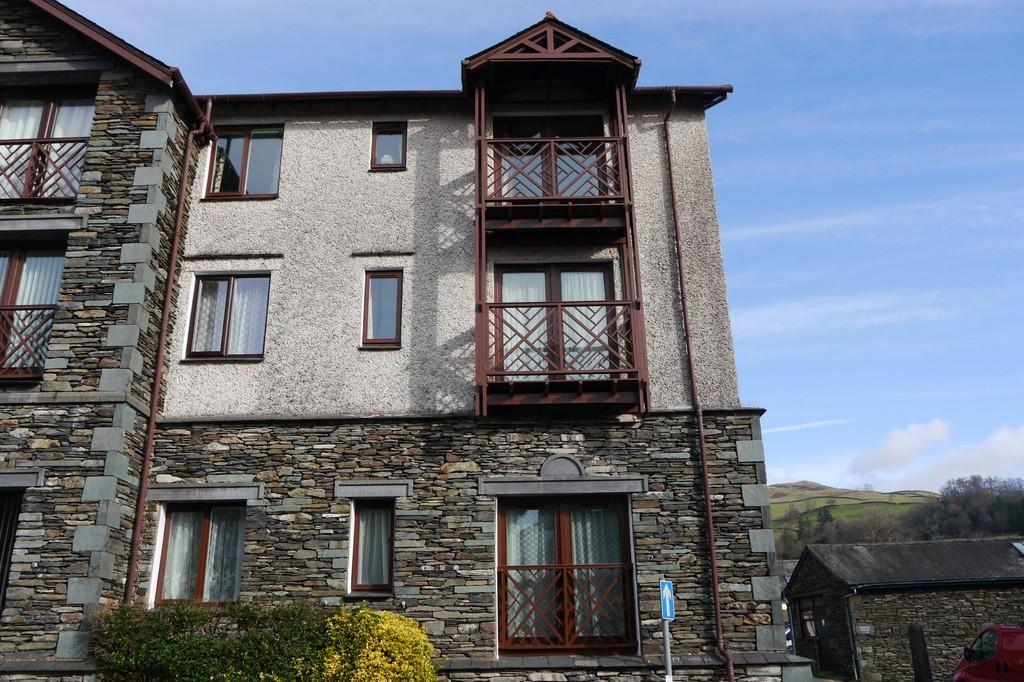 2 Bedrooms Apartment Flat for sale in 008 Millans Court, Ambleside, LA22 9BW