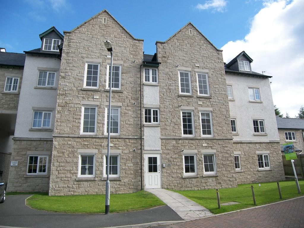 2 Bedrooms Apartment Flat for sale in 23 Kirkstone Mews, Kendal, Cumbria. LA9 7JX