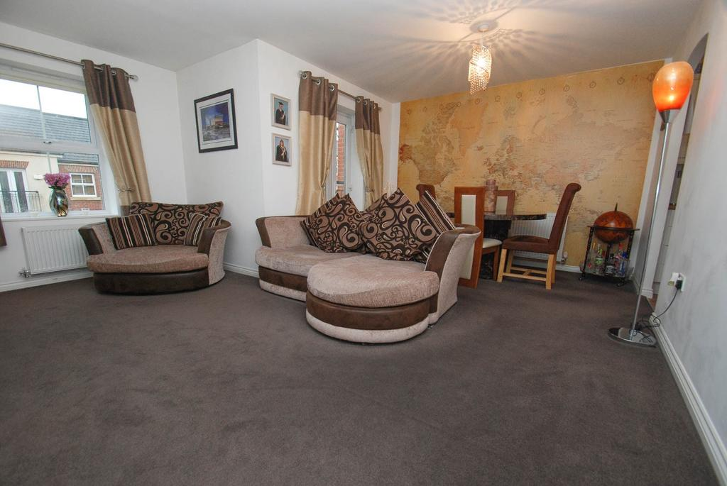 2 Bedrooms Flat for sale in Brass Thill Way, South Shields