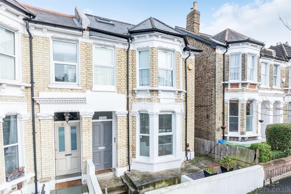 2 Bedrooms Flat for sale in Muschamp Road, Peckham Rye, London, SE15