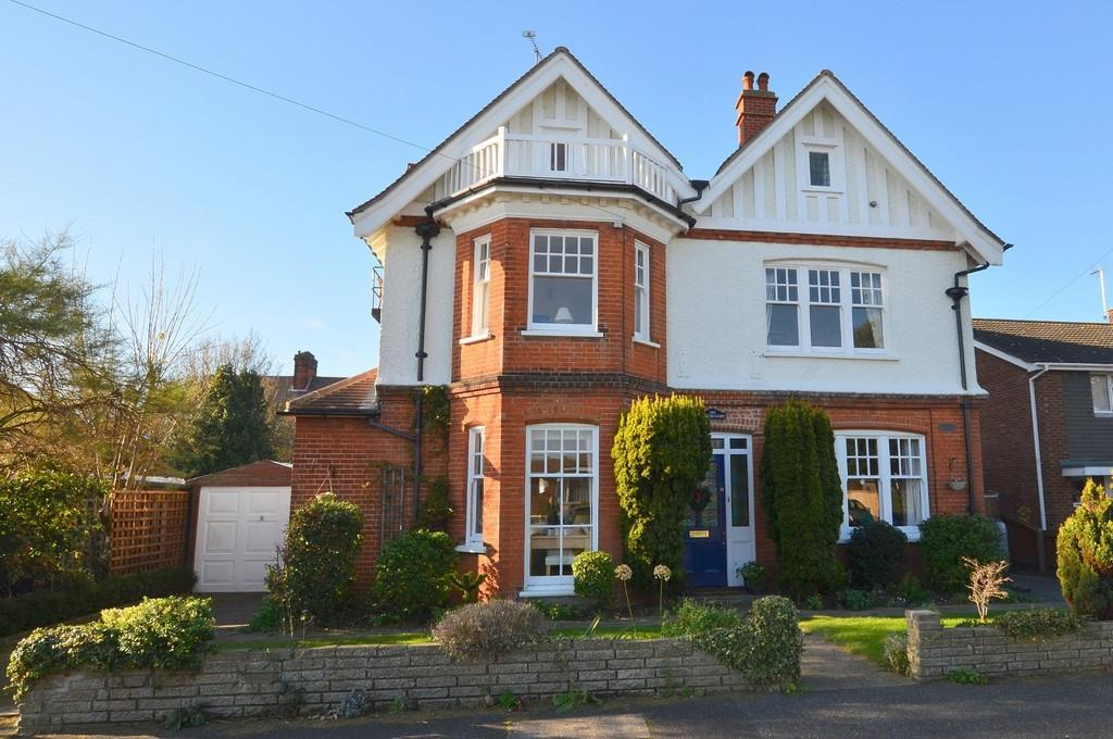 7 Bedrooms Detached House for sale in Garfield Road, Felixstowe