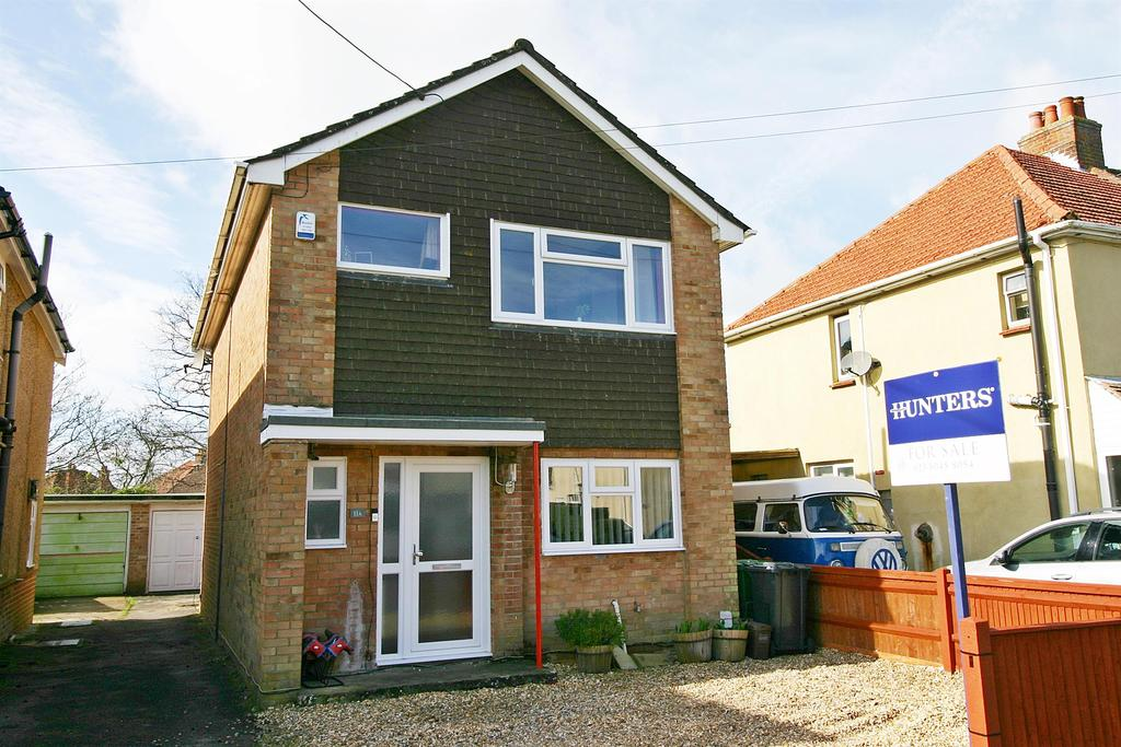 3 Bedrooms House for sale in Denzil Avenue, Netley Abbey, Southampton, SO31 5AZ