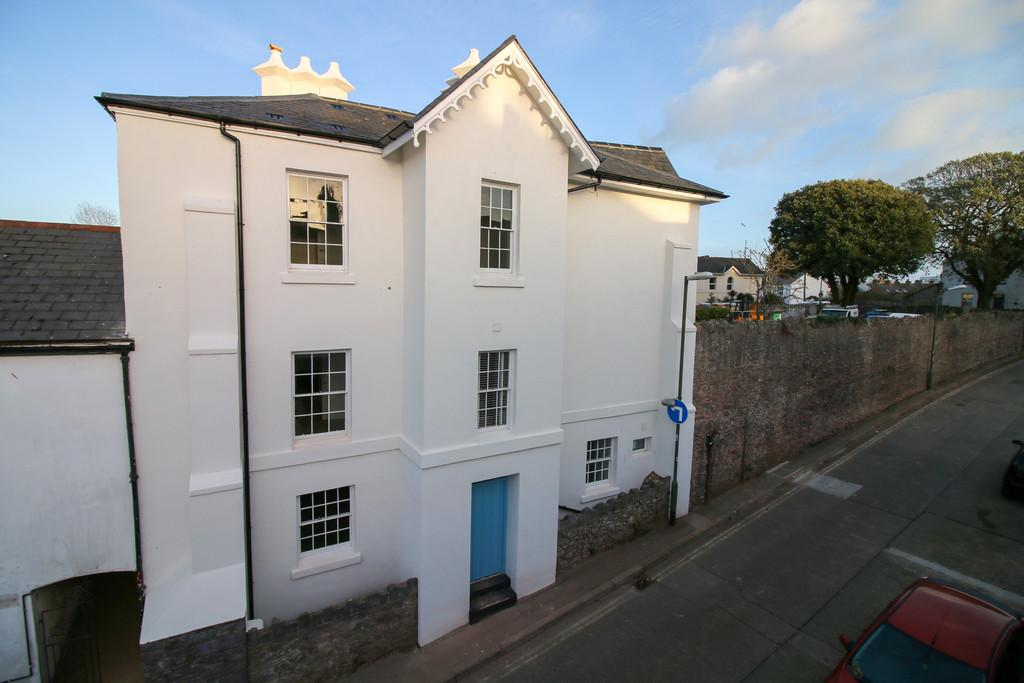 2 Bedrooms Maisonette Flat for sale in Park Crescent, St Marychurch