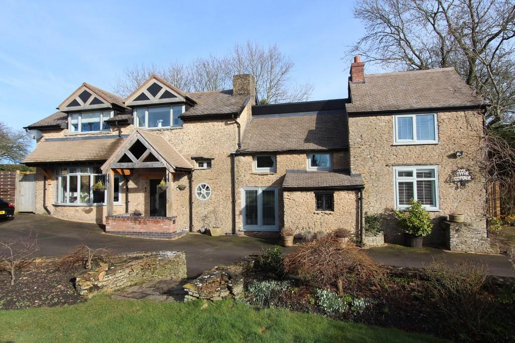 5 Bedrooms Cottage House for sale in Bakers Lane, Knowle