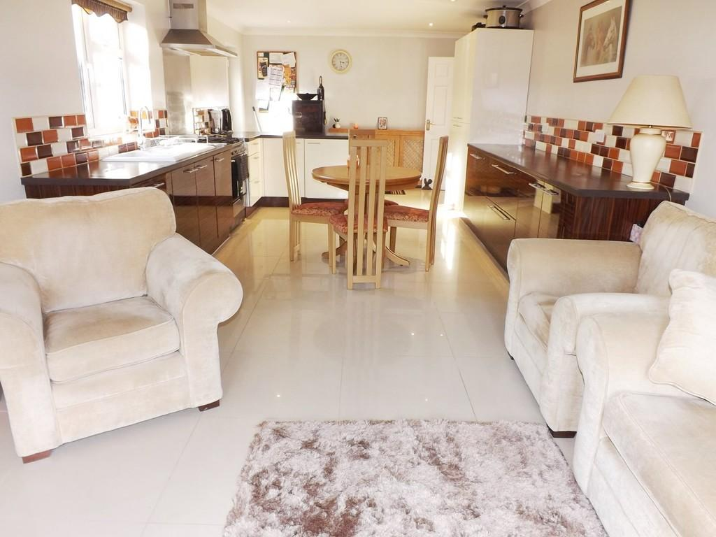 3 Bedrooms Detached Bungalow for sale in Long Sutton