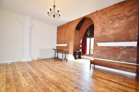 2 bedroom flat to rent - St Mary's Court, W6