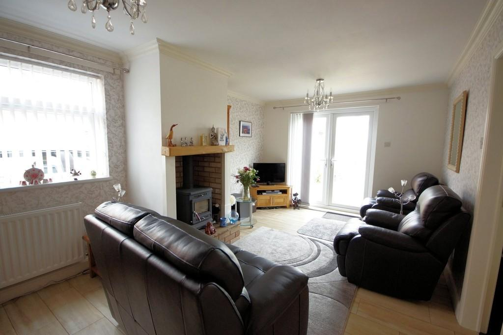 2 Bedrooms Detached Bungalow for sale in Bartholomew Close, Bardney
