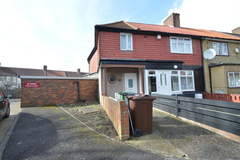 1 Bedroom End Of Terrace House for sale in Stone Close, Dagenham