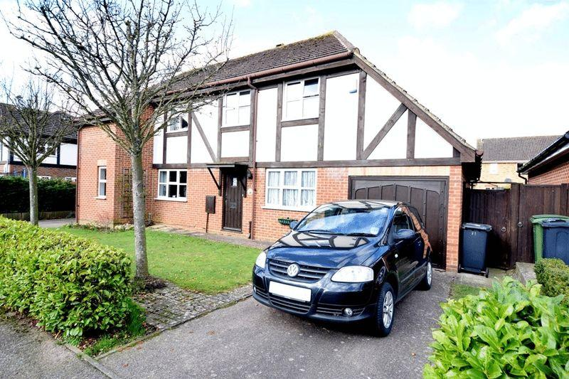 3 Bedrooms Semi Detached House for sale in The Hedgerow, Maidstone