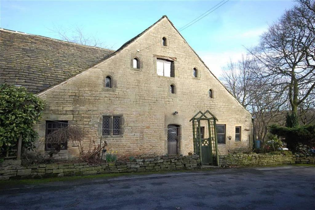 4 Bedrooms Barn Conversion Character Property for sale in Clayhouse Park, Off Stainland Road, Greetland, Halifax, HX4